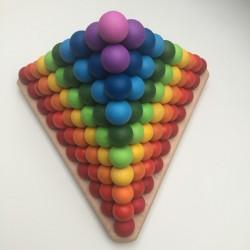 Montessori pyramid -...